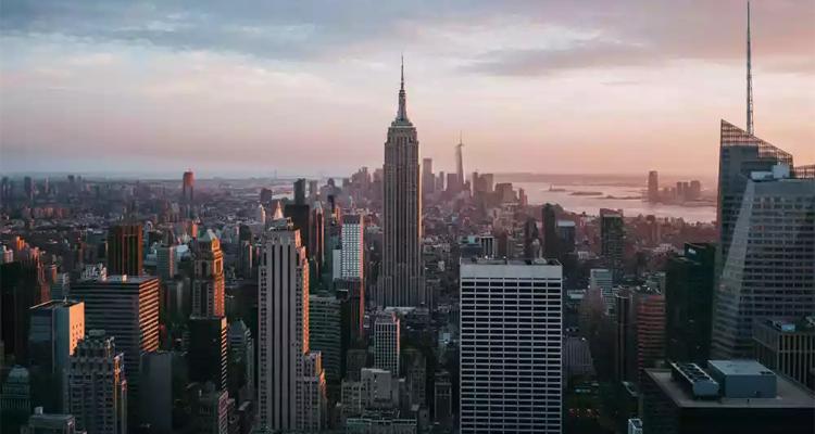 纽约洛克菲勒中心(Rockefeller Center)启用新LOGO
